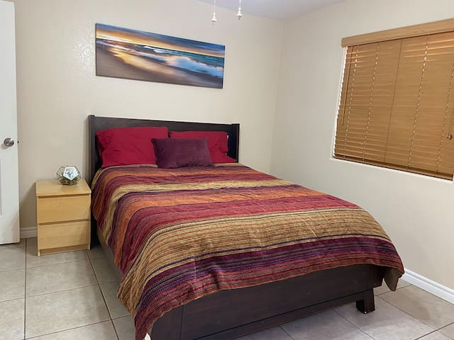 Beach Get-Away apartment W/ gated pool + Jacuzzi/