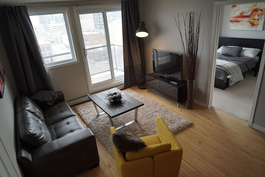 Beautiful 2 Bedroom In The Heart Of Downtown Apartments For Rent In Edmonton Alberta Canada