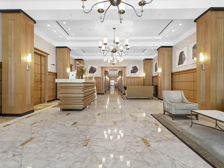 Luxury Full Concierge Condo in Copley Square