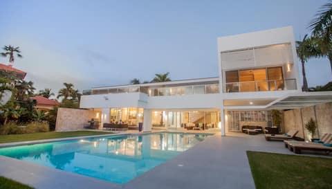 Terrific Villa Gorilla.. .Just a Paradise!!!!