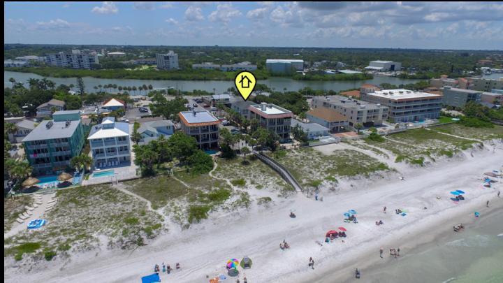 Modern, Luxurious Beach Condo -Steps To The Beach!