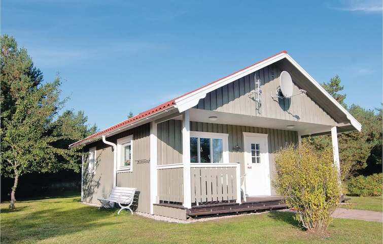 Holiday cottage with 2 bedrooms on 43m² in Visby