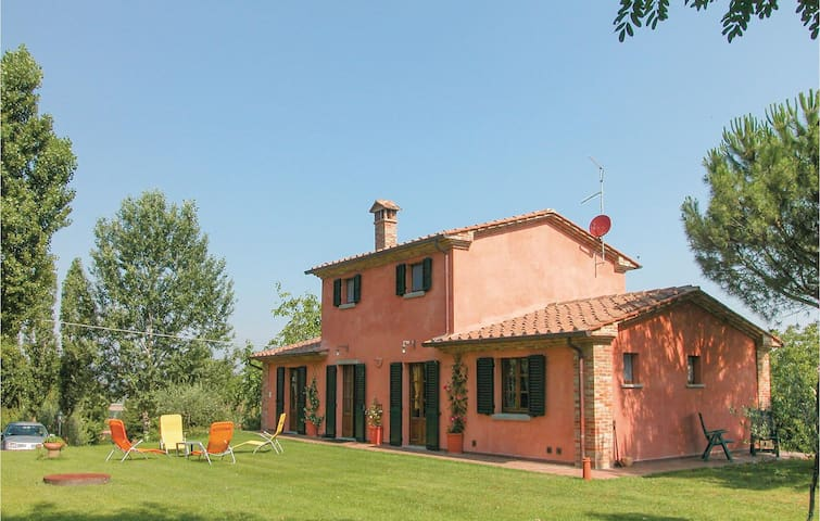 Holiday cottage with 2 bedrooms on 125 m² in Marciano d. Chiana AR
