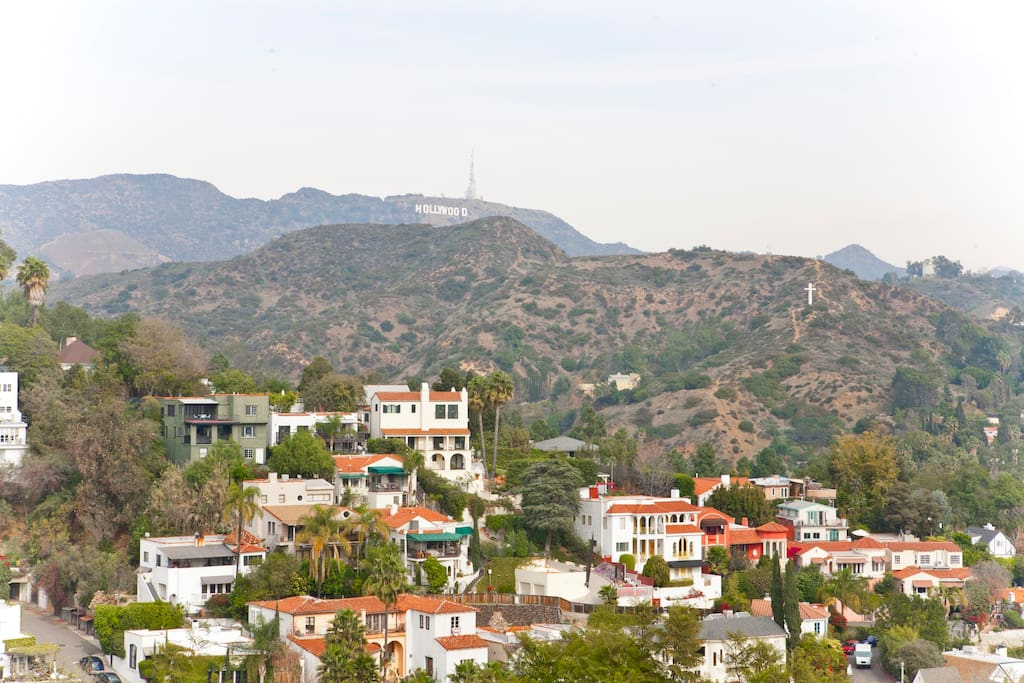View Hollywood Hills and sign