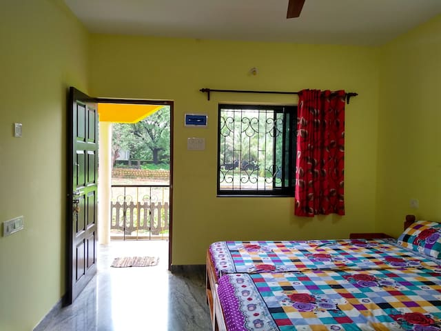 Studio room in Anjuna near Vagator and Baga.