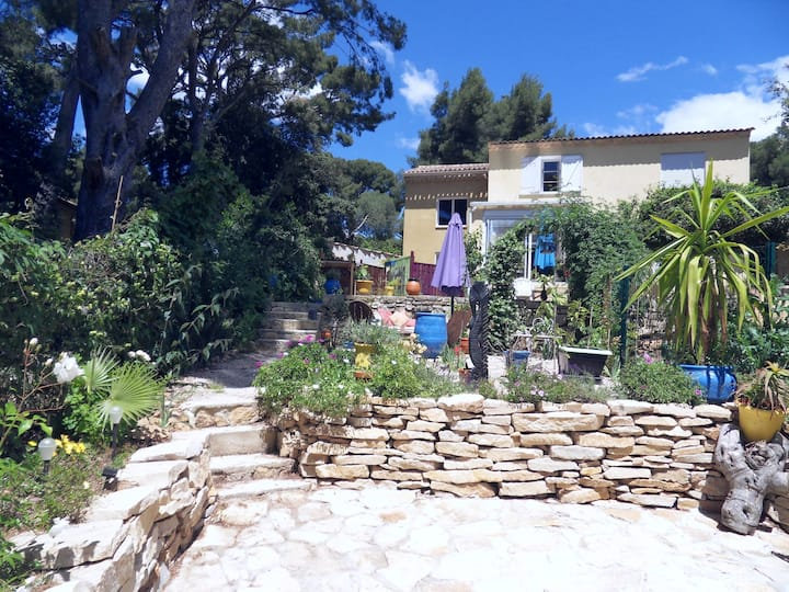Studio avec terrasse dans villa à 3mn bord de mer