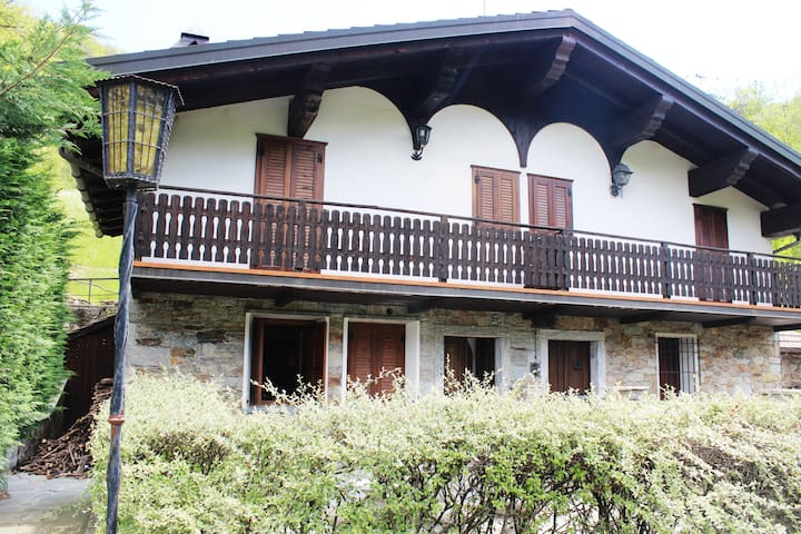 Chalet in Montagna immerso nel bosco