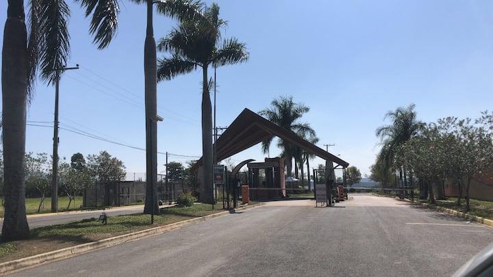 Casa térrea Condomínio Saint Charbel/ Araçoiaba