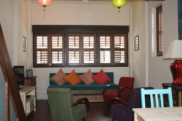 Cosy heritage 2 bed/bath residence. - George Town - Rumah