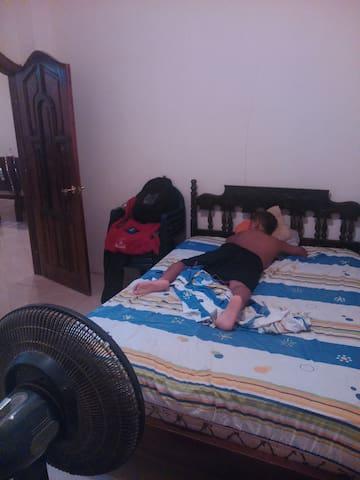 Cómoda habitación en Esmeraldas -Ec - Esmeraldas - Bed & Breakfast