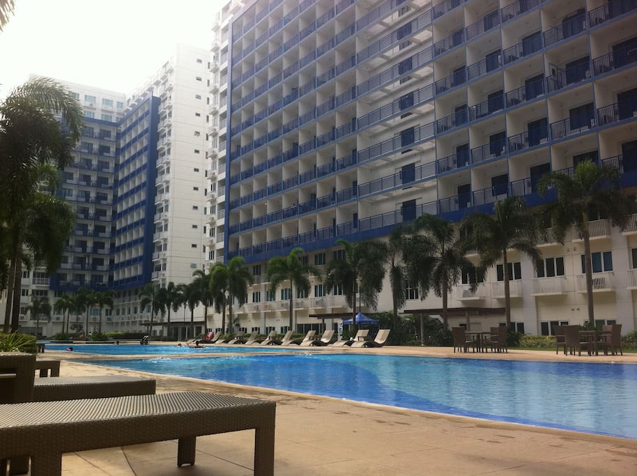 Stay in a Condotel situated in the middle of the business and gaming district that is affordable