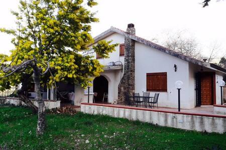 Romantic chalet near Palermo - Campofiorito - 独立屋