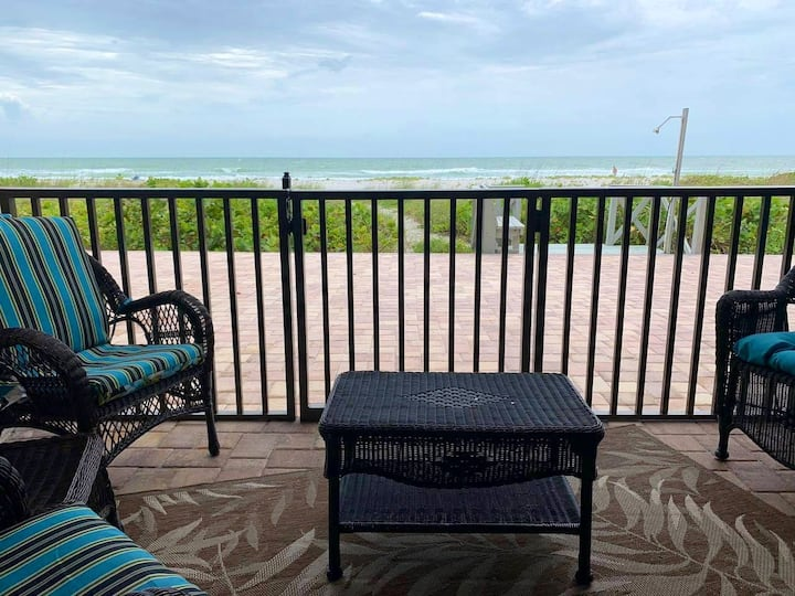 Belleair Beach Condo, steps to powder white sand!