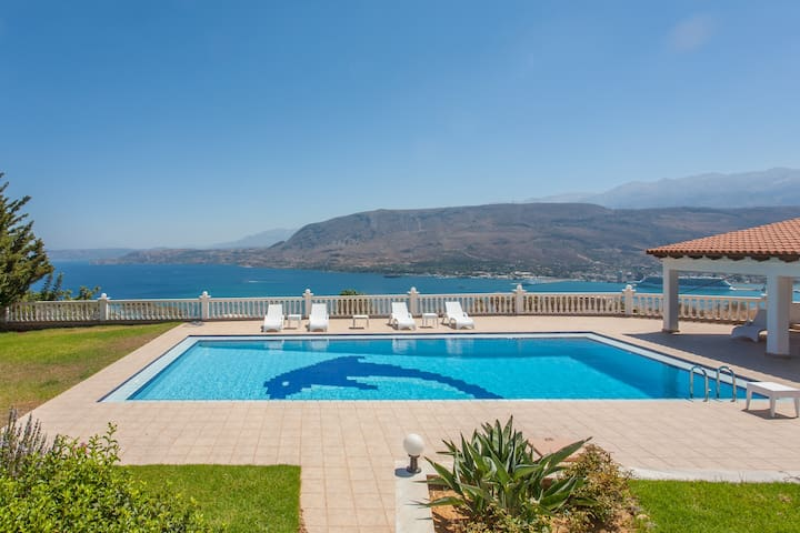 Villa Barbara: The Majestic View Villa - Chania - Villa
