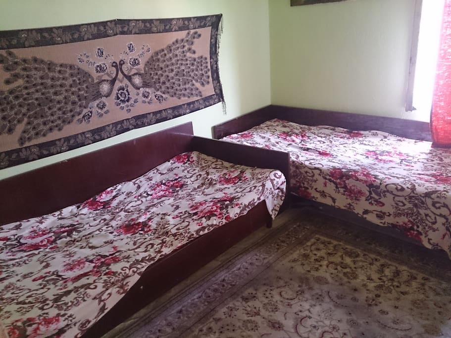 1 bedroom suitable for children or 2 adults