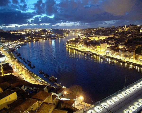 B&B-Priv.Room  Porto 5m.winecellars - Oporto - Bed & Breakfast