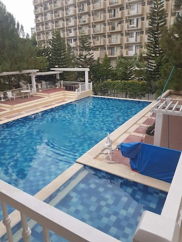 2BR Condo at the heart of Davao with STRONG WIFI