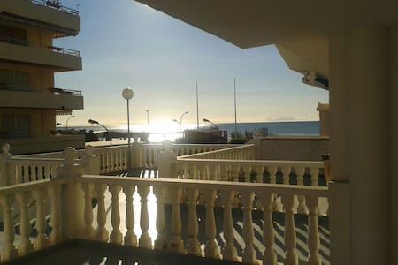 Alcossebre a 1a línea de playa - Appartement