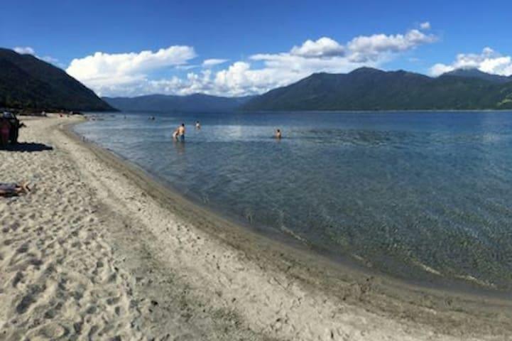 Cabaña camino a Playa Blanca Lago Caburgua