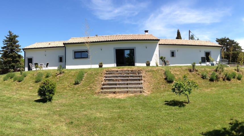 Villa moderne  à deux pas du lac
