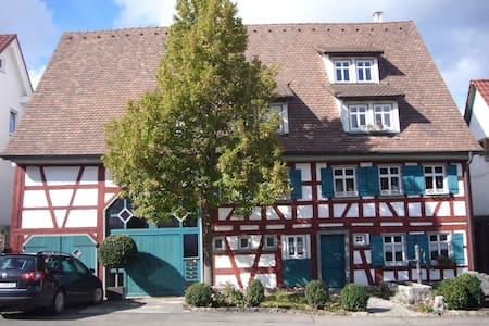 Charming appartment in a historical - Albstadt