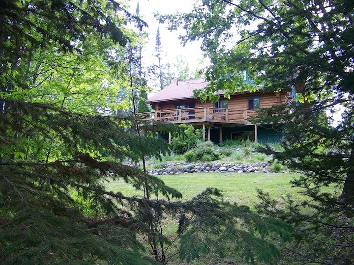 Northwoods Log Lodge on Milton Lake