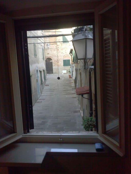 finestra sul borgo