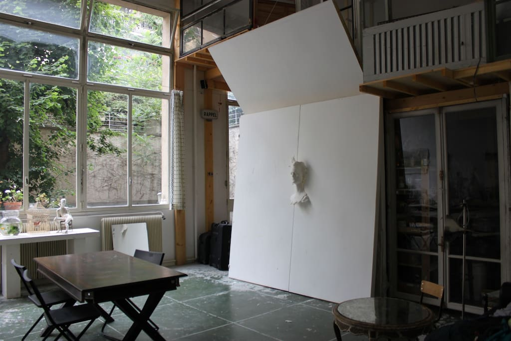 Main studio (towards mezzanine)
