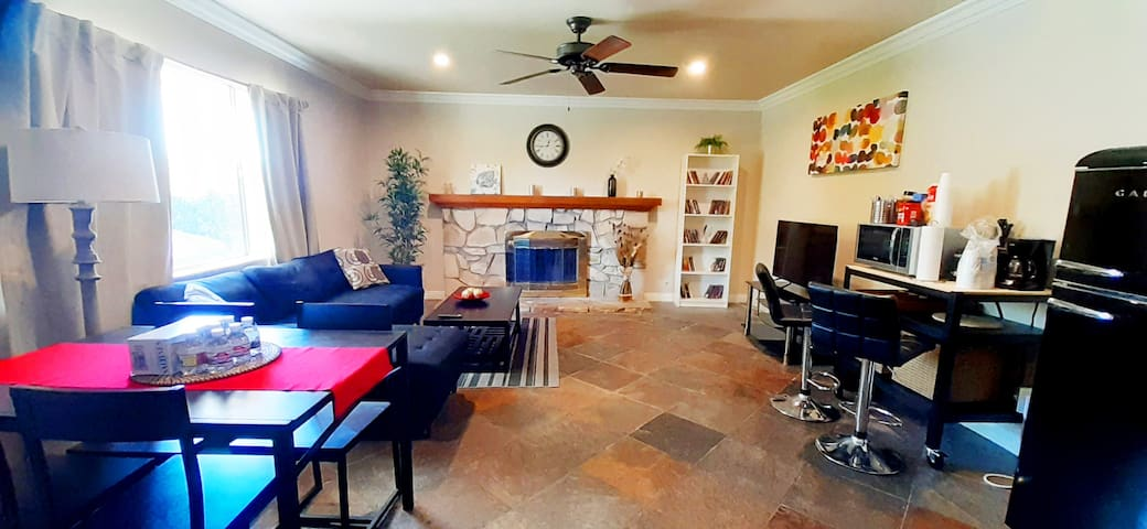 ❤️ Cozy Kids Friendly❤️ Close to everything l3BD 2BA