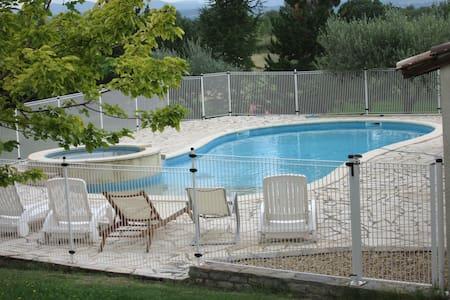 Maison Gard 8pers piscine jacuzzi animaux acceptés - Savignargues - Talo
