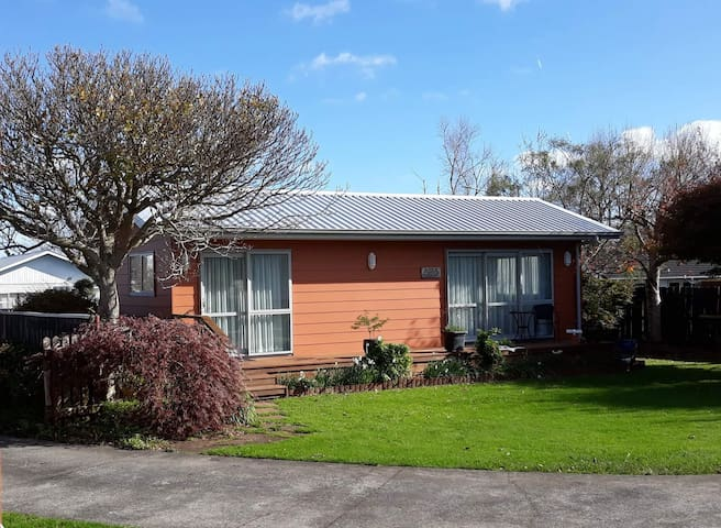 Maple Cottage.Self contained independence-Waitara
