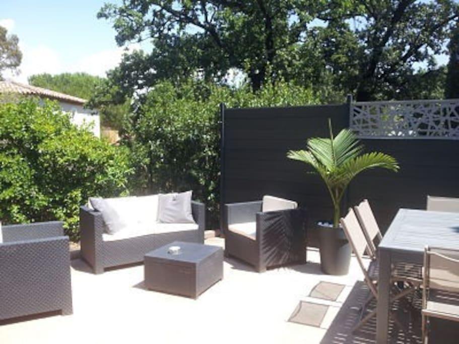 Maison 45m contemporain et jardin maisons louer - Jardin japonais interieur maison toulon ...