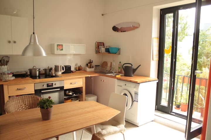 lovely flat in the center + balcony - Bremen - Apartamento