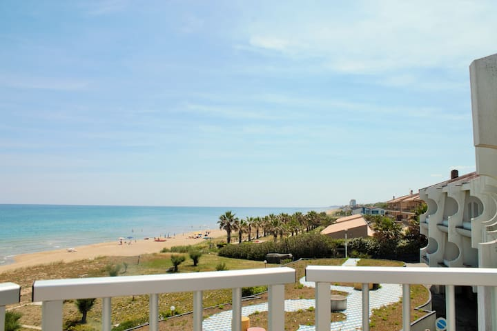 House on the sea with large terrace - Termoli - Lejlighed