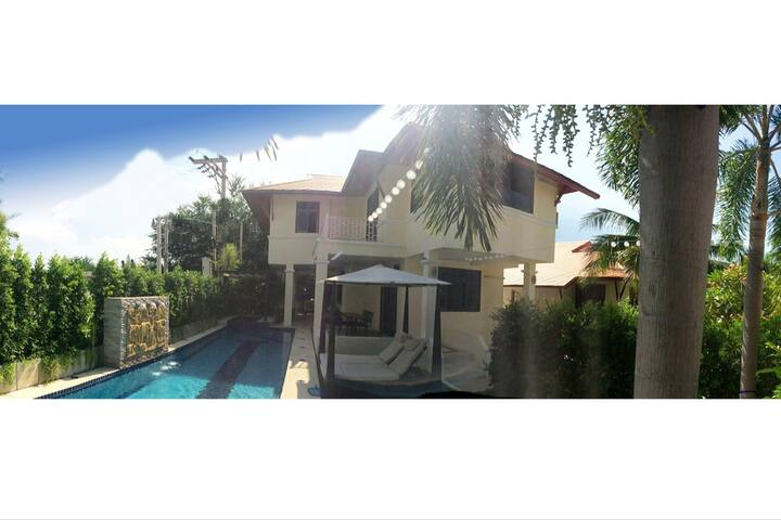 Large Pool Villa near beach, golf & restaurants
