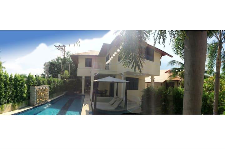 Large Pool Villa near beach, golf & restaurants