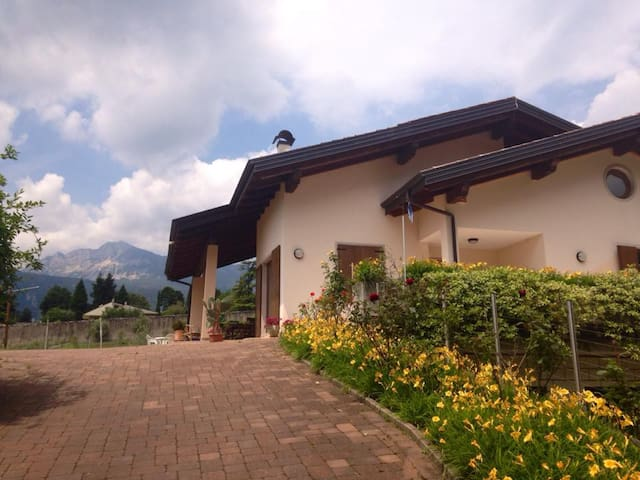 Double ROOM CIRCULAR BED - Alle Vigne B&B - Rovereto - Bed & Breakfast