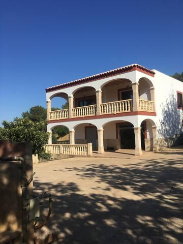 Peaceful Villa - Sant Antoni de Portmany - วิลล่า
