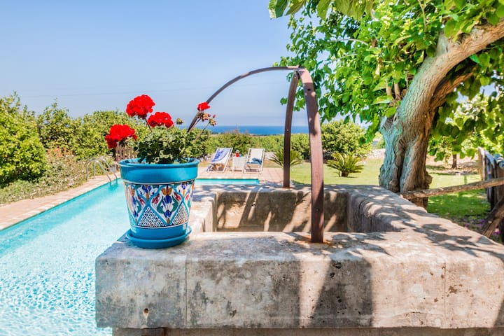 Authentic Sicilian Charm- pool  sea view & parking