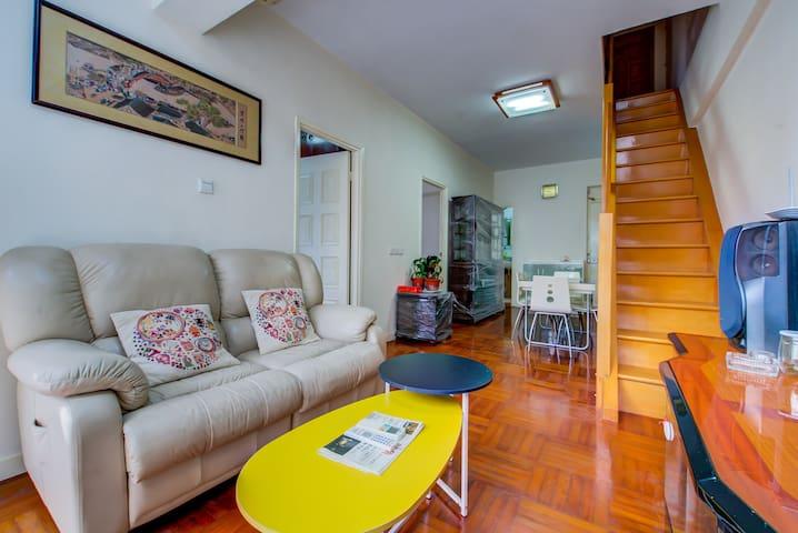 MACAU 澳門四房二厅两層複式套房  靠近新葡京 大三巴 威尼斯人
