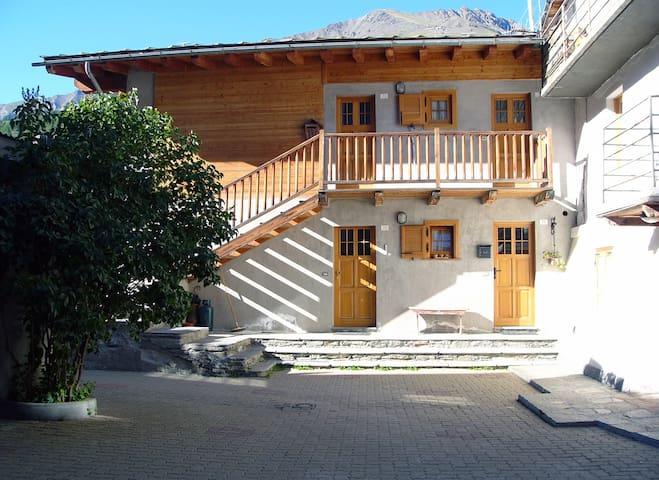 Cozy mountain house - Cogne - Apartment