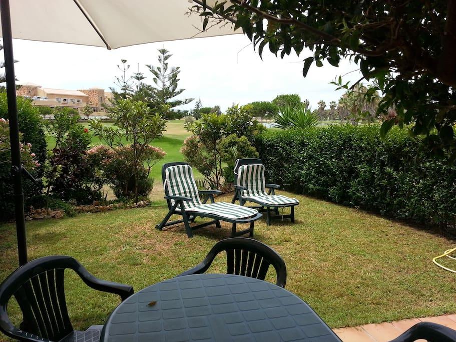 Jardín privado (2)