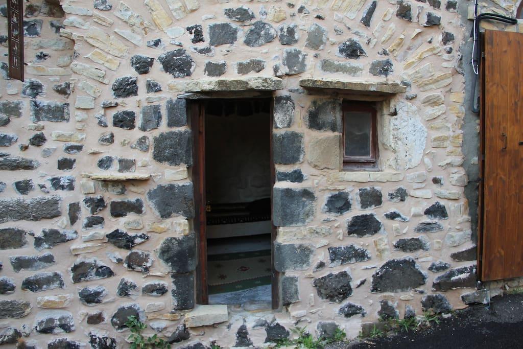 Chambre dans la citadelle maison d 39 h tes louer for Fenetre mirabel