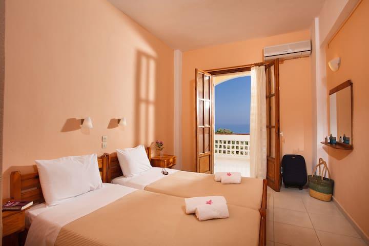 Babis Hotel - Skaleta