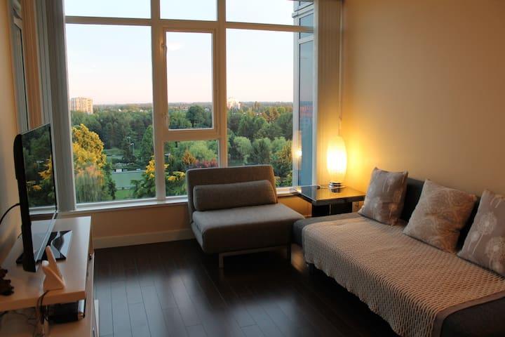 Nice 1 bdrm apt by Sheraton Hotel - Richmond - Lägenhet