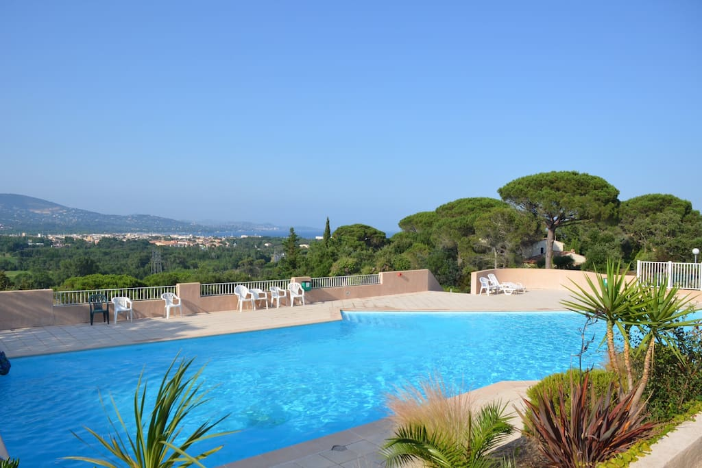 Pool over looking the Gulf of St Tropez