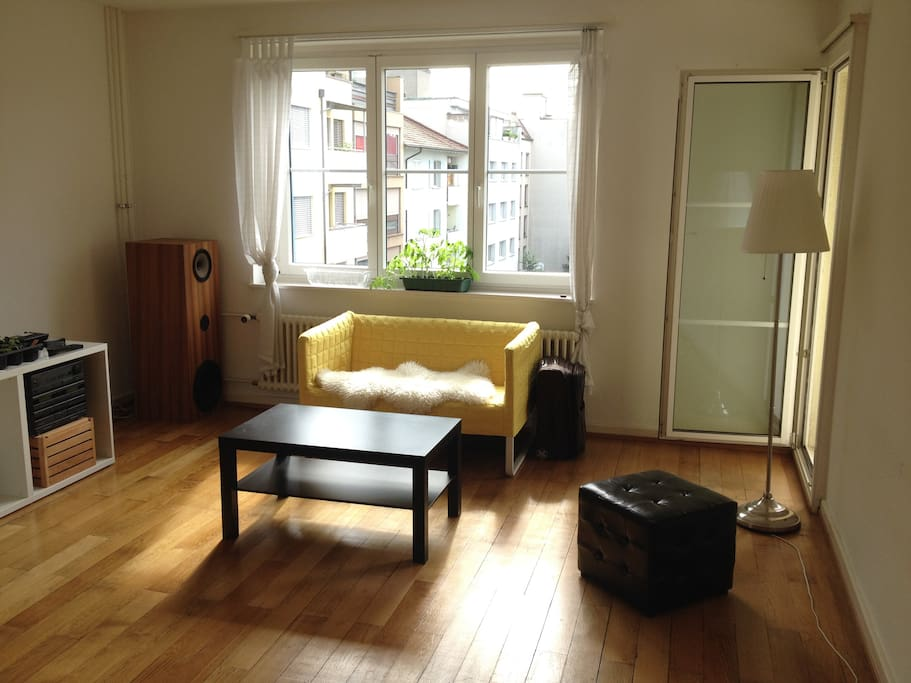 Big Living room with very sunlight (big balcony and windows in 3 directions)