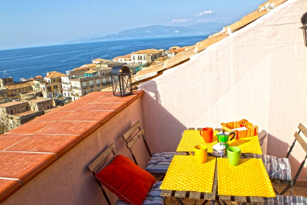 roof terrace, from breakfast to dinner with stunning view on the sea and downtow roofs
