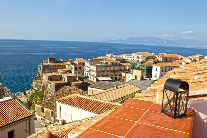 Exciting seaview, charm of old town - Pizzo - House