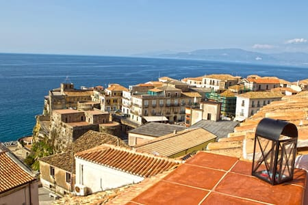 Exciting seaview, charm of old town - Pizzo - Hus